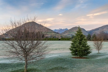 Otago Mountain Retreat Image 14